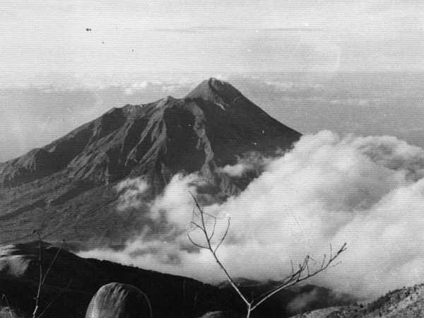 Merapi : Thursday : 20. August 1970