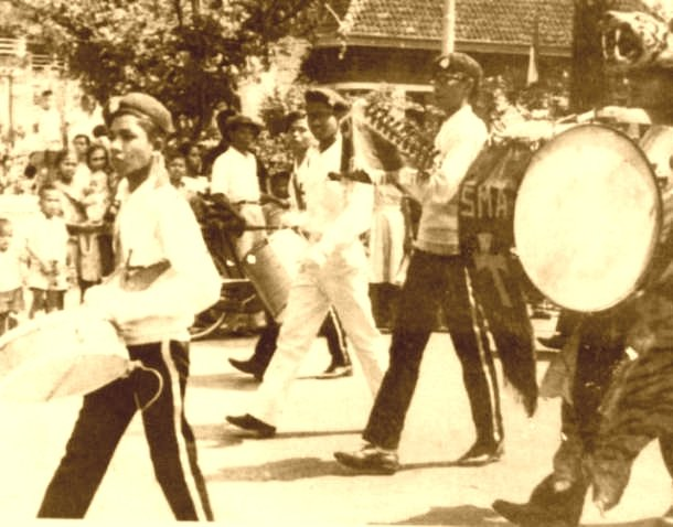Drum Band SMA Masehi I Perayaan Kemerdekaan R.I. : Tuesday : 17. August 1965